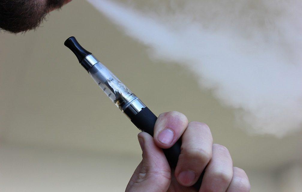 E-cigarro altera moléculas relacionas ao câncer oral