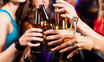 Mulheres: 42,9% a mais de consumo abusivo de álcool