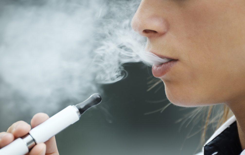 Vape ajuda a cessar o hábito de fumar? Prós e contras, mostra pesquisa britânica