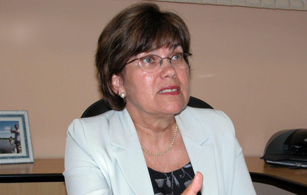 Profa. Maria Fidela Navarro (FOB-USP) recebe prêmio internacional da IADR