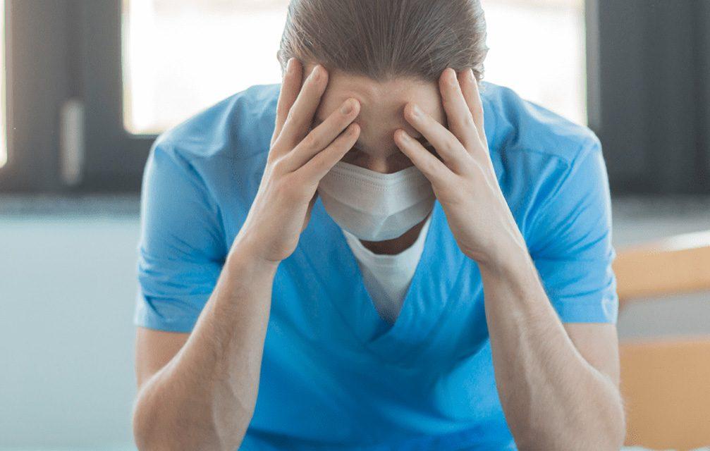 Estudo aponta alto sofrimento mental entre profissionais da saúde durante a pandemia